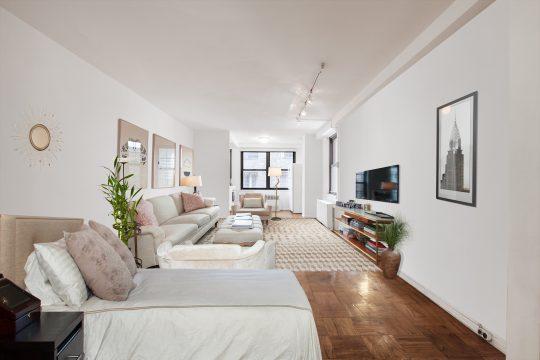 305 E. 40th Street – Apt. 6T