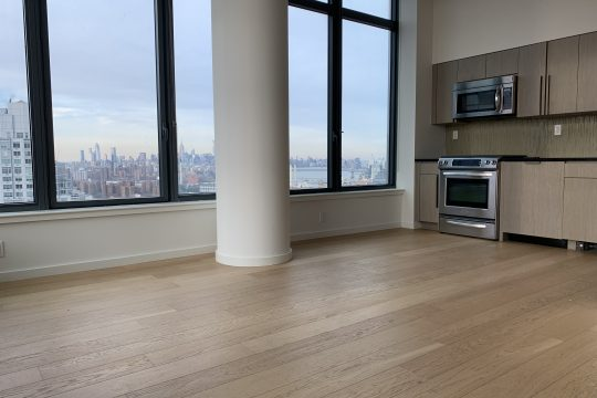 One bedroom with high ceilings and amazing views in full service building